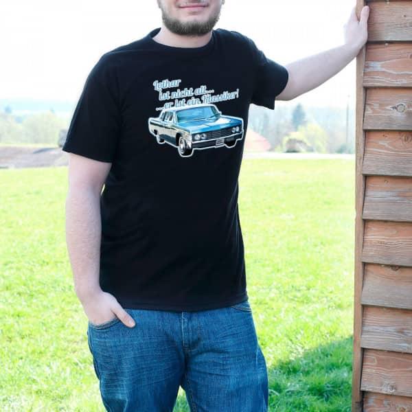 T Shirt mit blauem Oldtimer und Wunschnamen für alte Klassiker