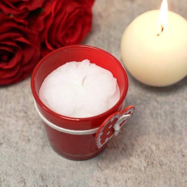 duftkerze in wei in rosenform und im glas mit holherzanh nger. Black Bedroom Furniture Sets. Home Design Ideas