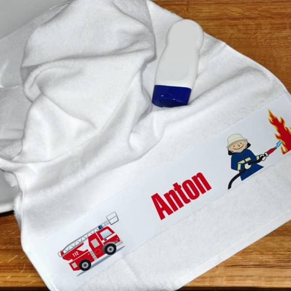 Individuellbadzubehör - weißes Handtuch mit Feuerwehr und Name - Onlineshop Geschenke online.de