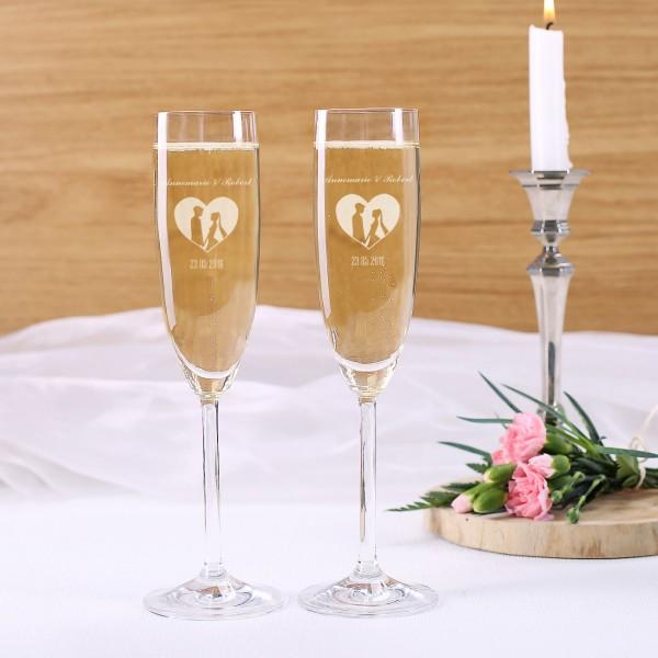 2 gravierte Sektgläser mit Namen und Datum zur Hochzeit