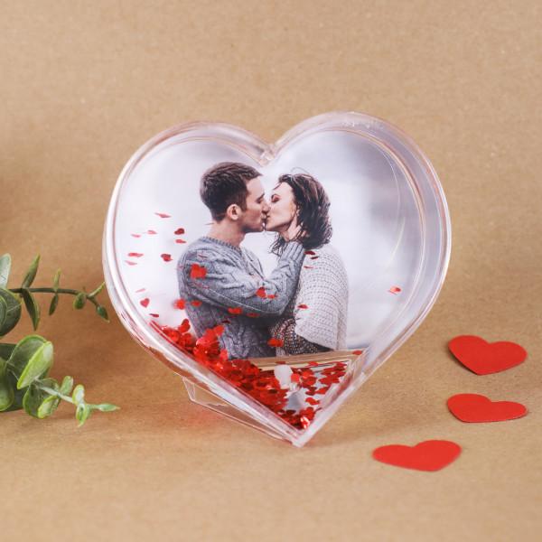 Schneekugel in Herz Form zum Valentinstag, Geburtstag usw. mit Herzkonfetti und Foto nach Wahl