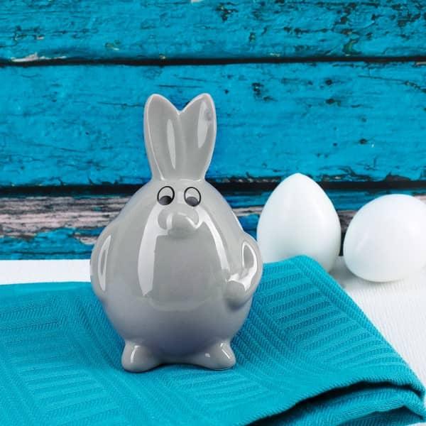 lustiger Hase in Ei-Form aus Keramik