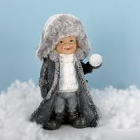 17 cm großes Winterkind mit Schneeball