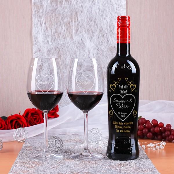 Graviertes Weinset zur Hochzeit Auf die Liebe
