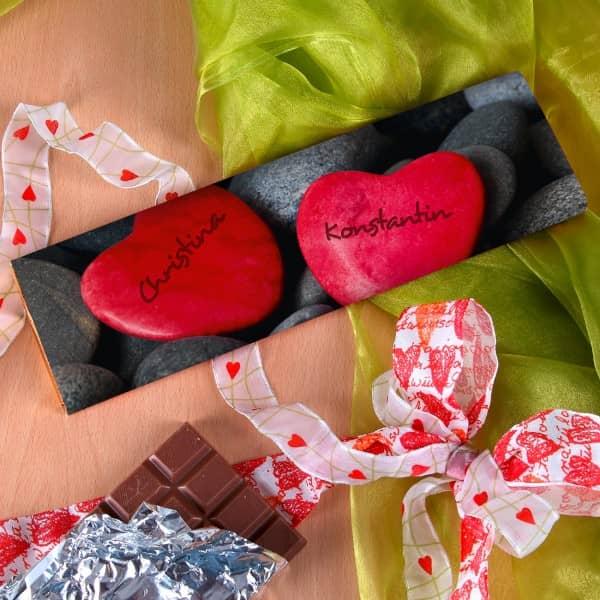 XL Schokolade mit Herzen und den Namen des Paares
