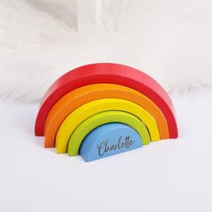 Holzbausteine Regenbogen mit Namensgravur