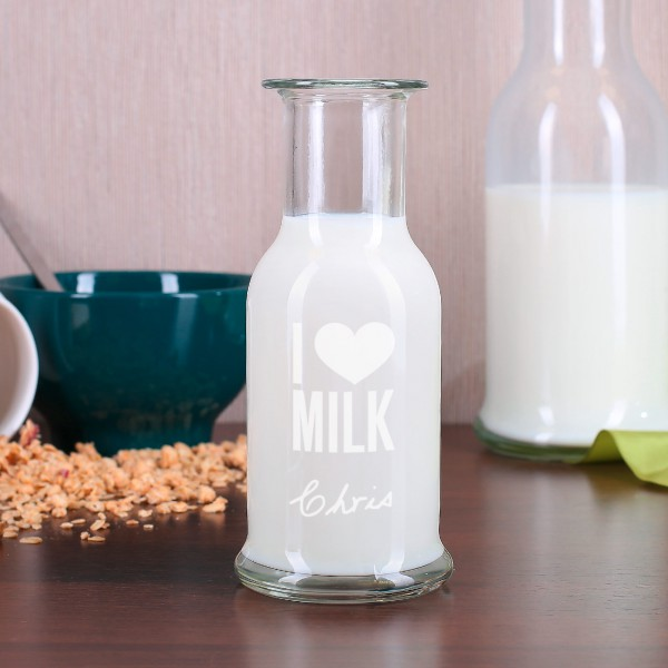 Kleine nostalgische Milchkaraffe I Love Milk Gravur