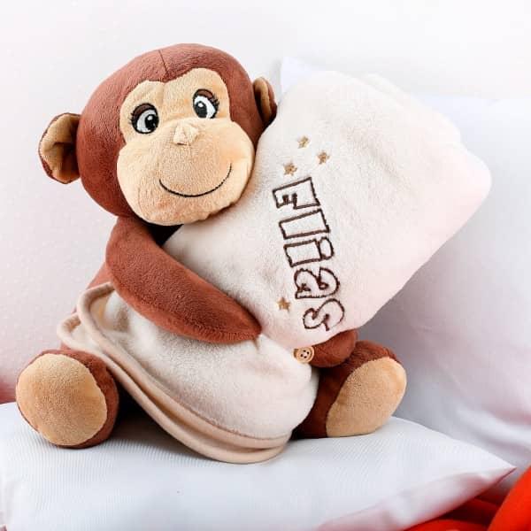 Kuscheltier Affe mit bestickter Kuscheldecke