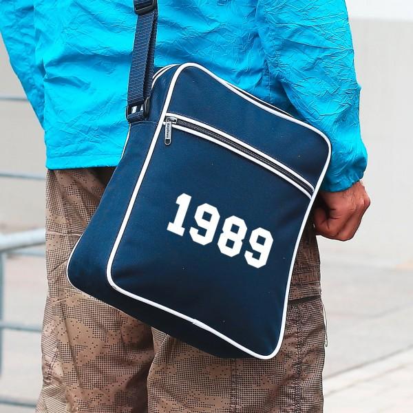 Umhängetasche in dunkelblau mit Ihrer Jahreszahl
