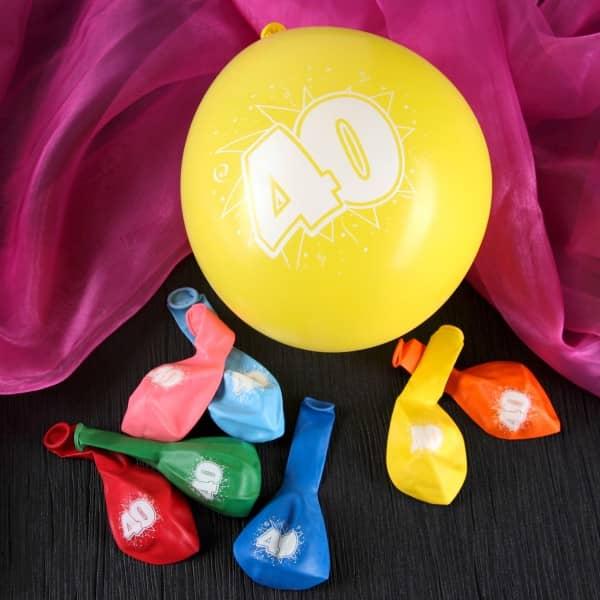 8 bunte Luftballons zum 40. Geburtstag
