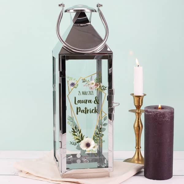 Hochzeitslaterne mit Blüten und Wunschtext