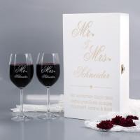 Mr und Mrs Geschenkset mit weißer Holzbox und zwei Weingläsern