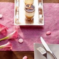 Deko Tischläufer aus Vlies in Pink - 1000 cm x 30 cm