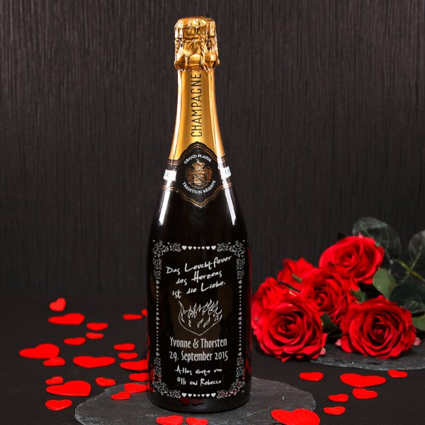 hochwertige Champagnerflasche mit Gravur zur Hochzeit
