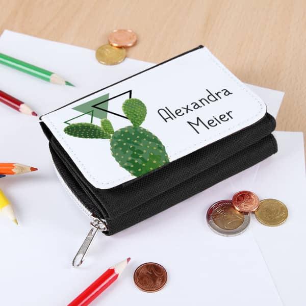 schwarzes Portemonnaie mit Name und Kaktus-Motiv