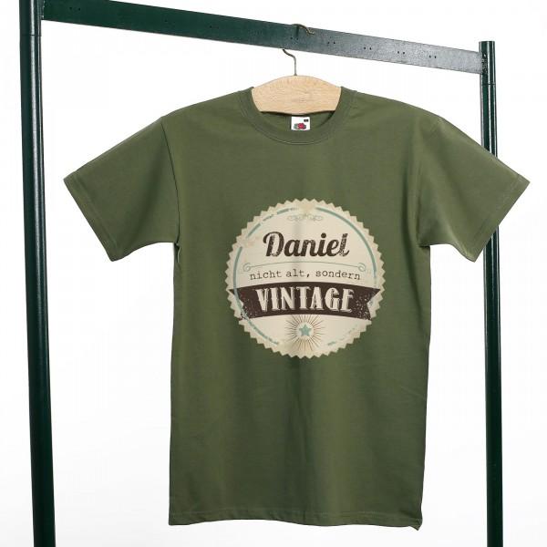 Herren T-Shirt nicht alt, sondern vintage.