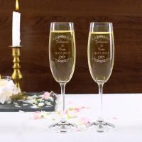 2 gravierte Sektgläser zur Hochzeit mit Name von Braut und Bräutigam sowie Datum