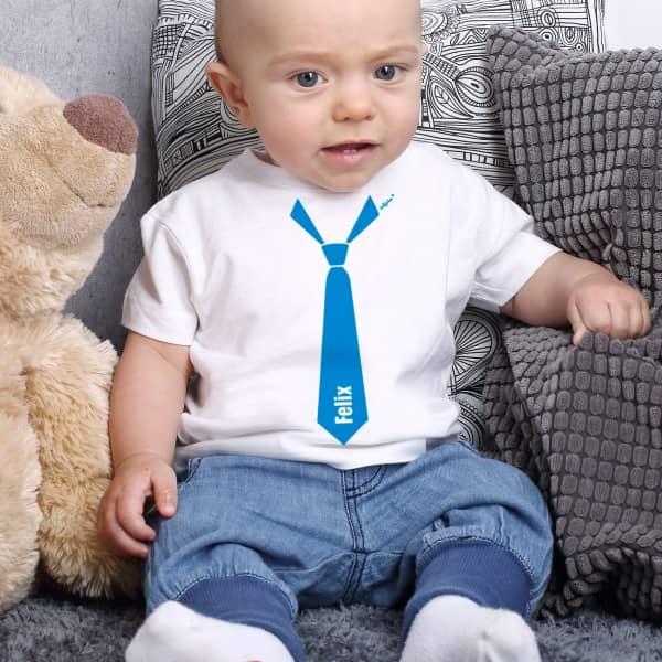 Weißes Baby T Shirt mit Krawatte und Name