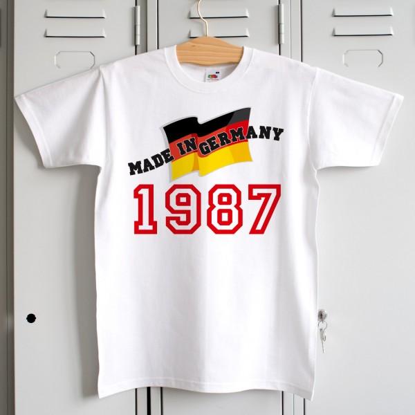 Weisses T-Shirt Made in Germany mit Deutschland-Flagge und Geburtsjahr