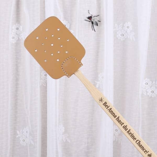Fliegenklatsche aus Holz