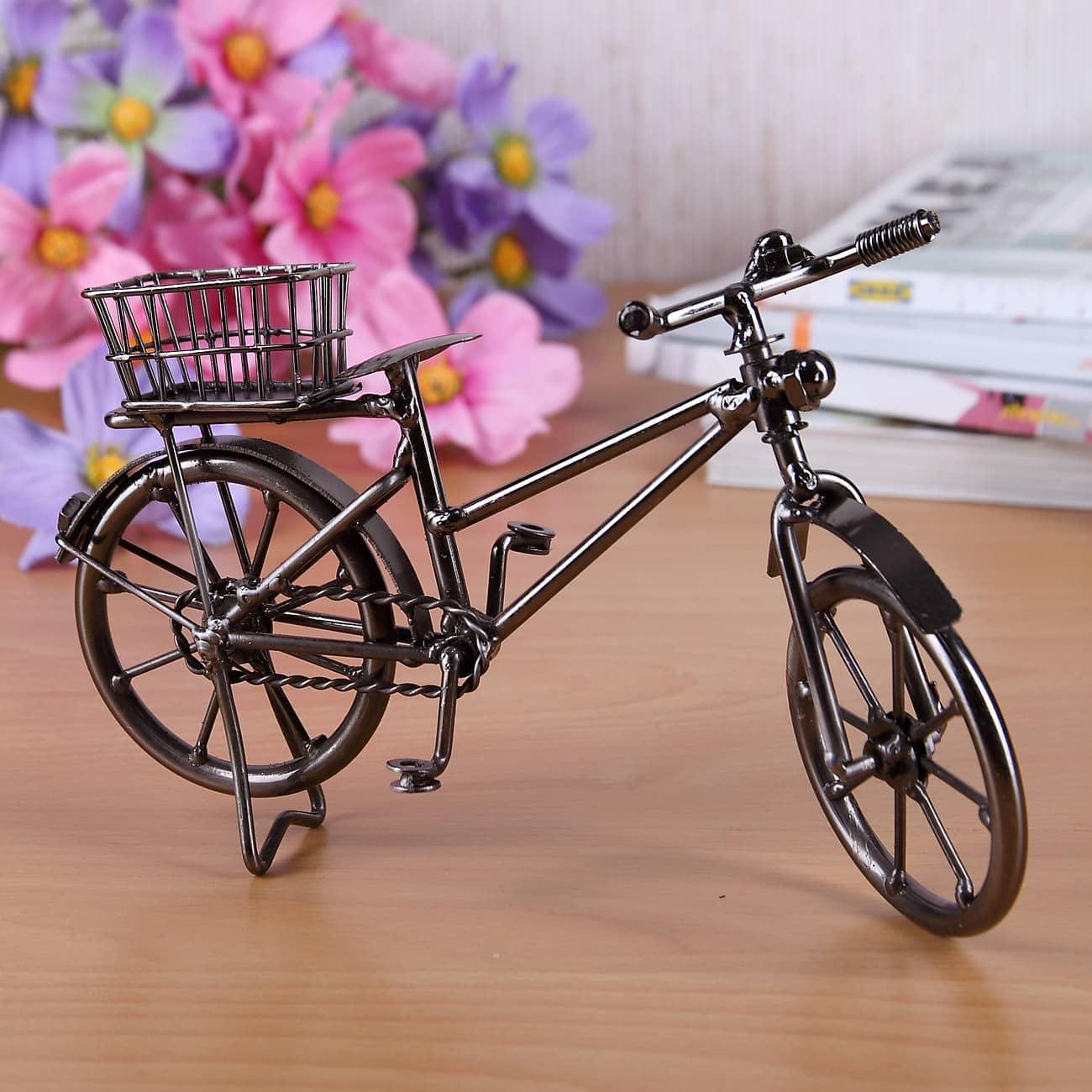 Deko fahrrad mit korb aus metall geschenke for Korb deko