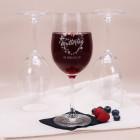 Weinglas zum Muttertag mit Blumenherz und Wunschtext