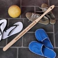 Schuh-Anziehhilfe für ältere Herren