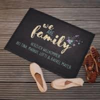 We are family - Fußmatte mit 2 Zeilen Wunschtext