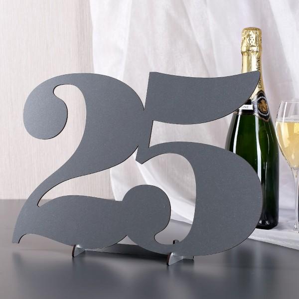 Tischdekoration zur Silberhochzeit Zahl 25