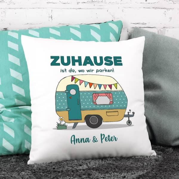 Camping-Kissen mit Wohnwagen und Wunschtext