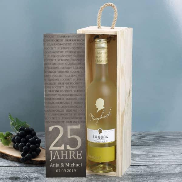 Bedruckte Holzkiste mit Maybach Weißwein