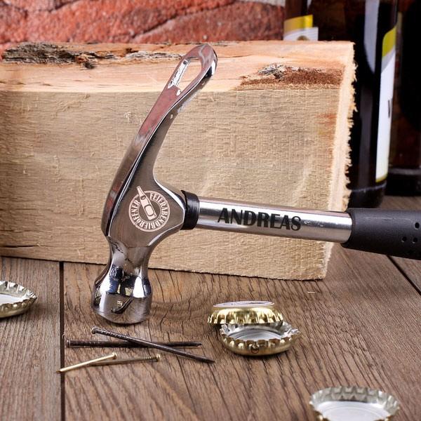 Feierabend Hammer mit Gravur und Flaschenöffner