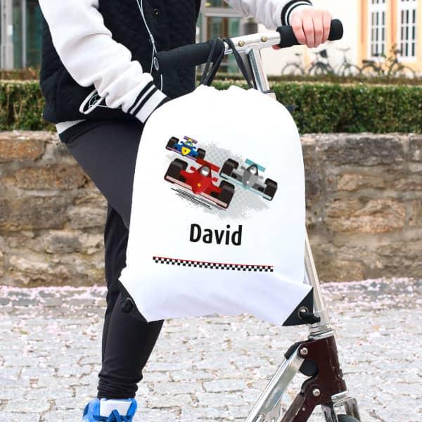 Sportbeutel mit Name und Rennwagen