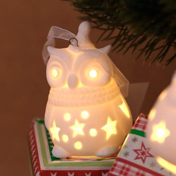 Keramik Weihnachtseule LED mit kleiner Mütze