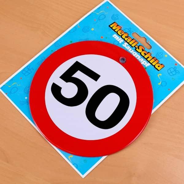 kleines Verkehrszeichen aus Metall zum 50. Geburtstag
