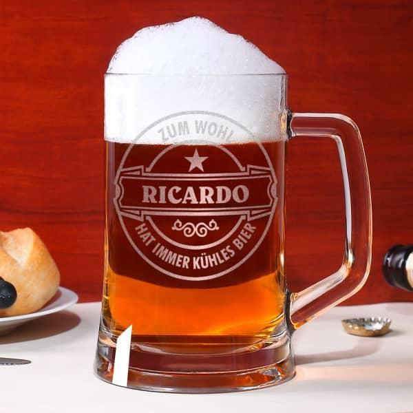 Graviertes Bierseidel mit Wunschnamen und Motiv