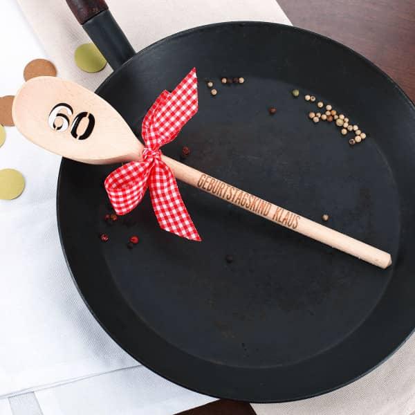 Holzlöffel mit Schleife zum 60. Geburtstag