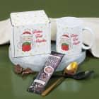Geschenkset mit Tasse, Trinkschokolade und Verpackung mit Weihnachtsmann Motiv und Name