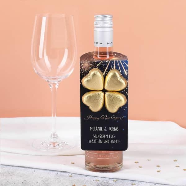 Individuellleckereien - Flaschenanhänger mit Feuerwerk Motiv, Lindt Schokolade, Name und Text - Onlineshop Geschenke online.de
