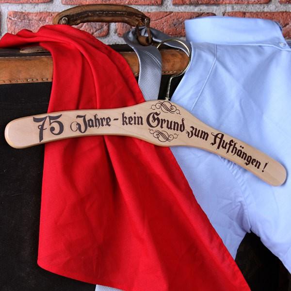 Kleiderbügel zum 75. Geburtstag