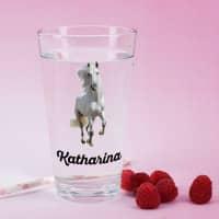 Trinkglas mit weißem Pferd und Name