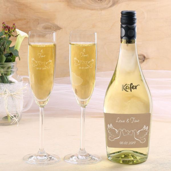 Secco Flasche und zwei gravierte Gläser im Hochzeitsset