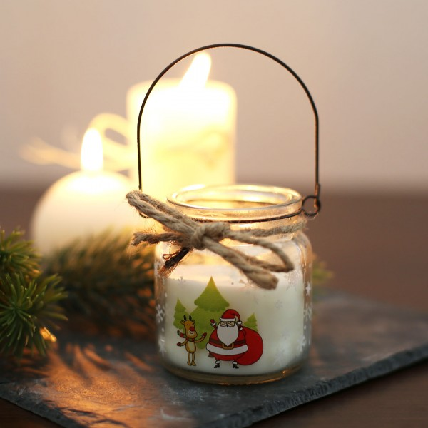 niedliches Windlicht im Glas mit Weihnachtsmotiv