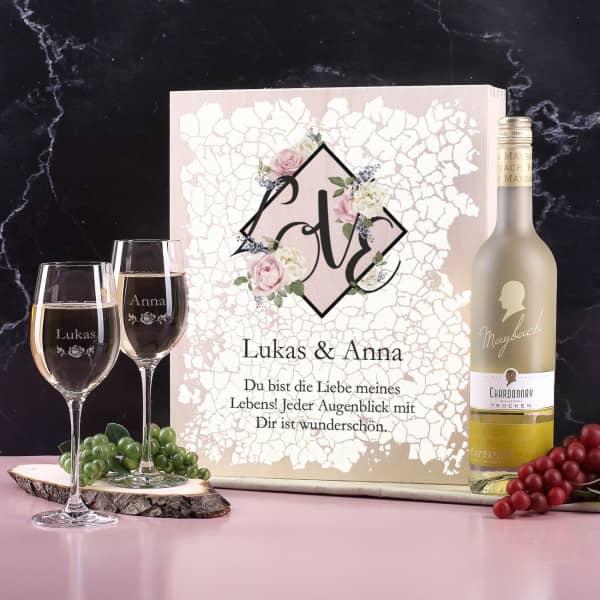 Maybach Weißweinset zum Valentinstag mit gravierten Gläsern und bedruckter Holzbox