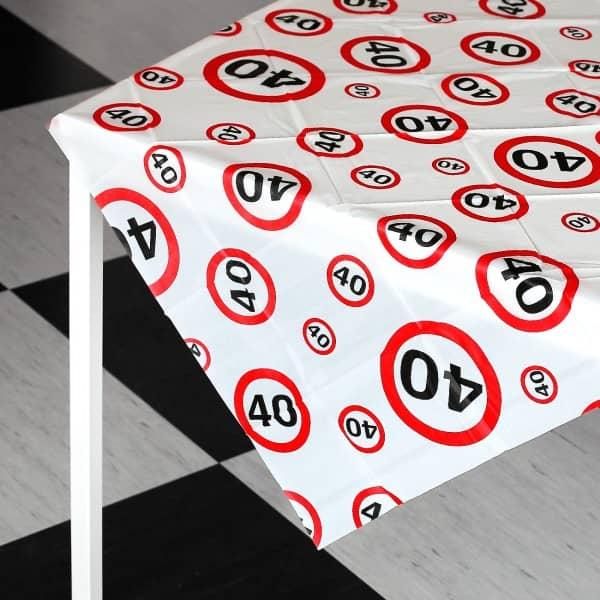 geburtstagsparty tischdecke zum 40. Black Bedroom Furniture Sets. Home Design Ideas