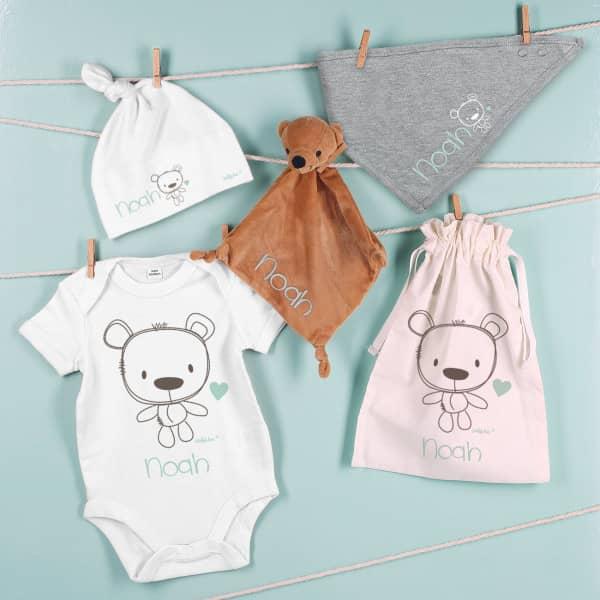 Teddy-Geschenkset zur Geburt mit Ihrem Wunschnamen bedruckt