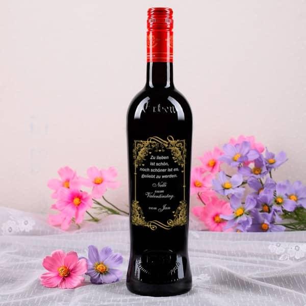Personalisierte Weinflasche zum Valentinstag mit Spruch in gold und silber