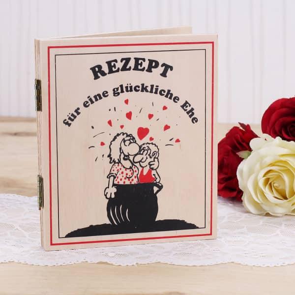 Rezeptbuch aus Holz für eine glückliche Ehe