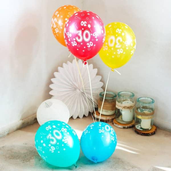 5 Ballons mit 30 bedruckt