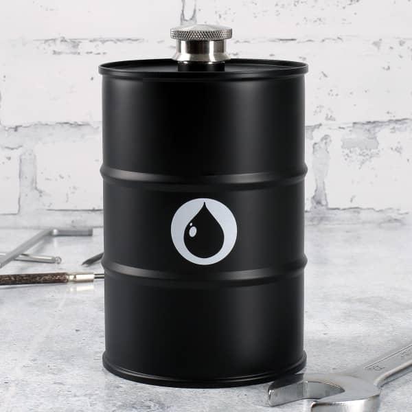 Flachmann als Ölfass